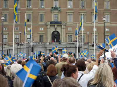 König Carl Gustafs Rede vor dem königlichen Schloss in Stockholm