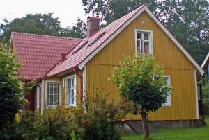 Ein schwedisches Holzhaus muss nicht immer rot-weiß sein