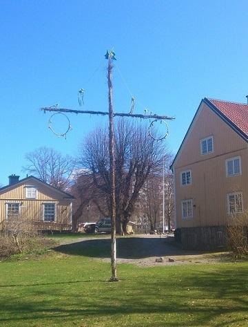 schweden-mittsommerstange